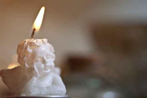 El hechizo de vela personalizado
